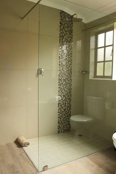 Wilderness Hotel Deluxe Room and Deluxe King Bathroom