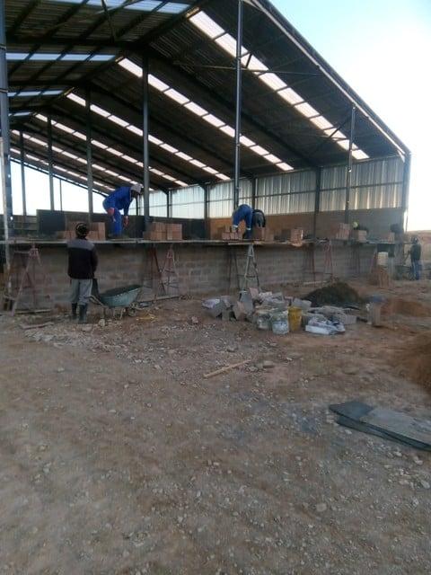 Building warehouse walls at Boumag Construction