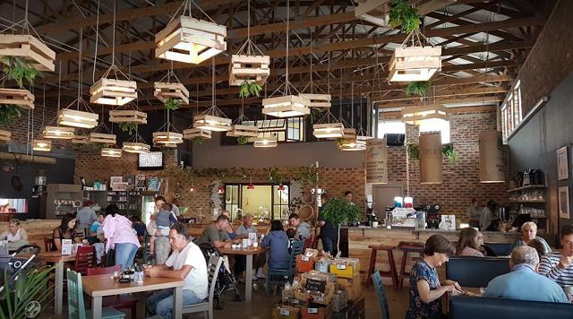 Frendz Restaurant & Coffee Shop
